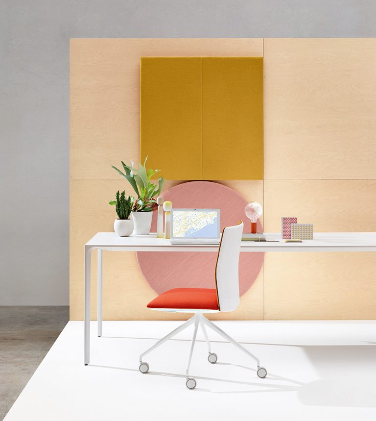 Arper_Kinesit_chair_MarcoCovi_trestle-fixed_front-face-upholstery_4807_2