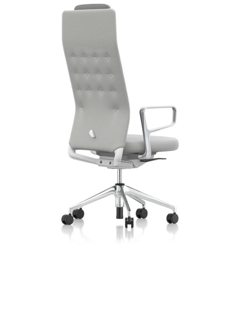 26_ID_TRIM_L_Normal_Seat_Aluring_Armrest_Soft_Grey_Plano_CreamWhite-SierraGrey_05_PERS_BACK_001_1596665_master