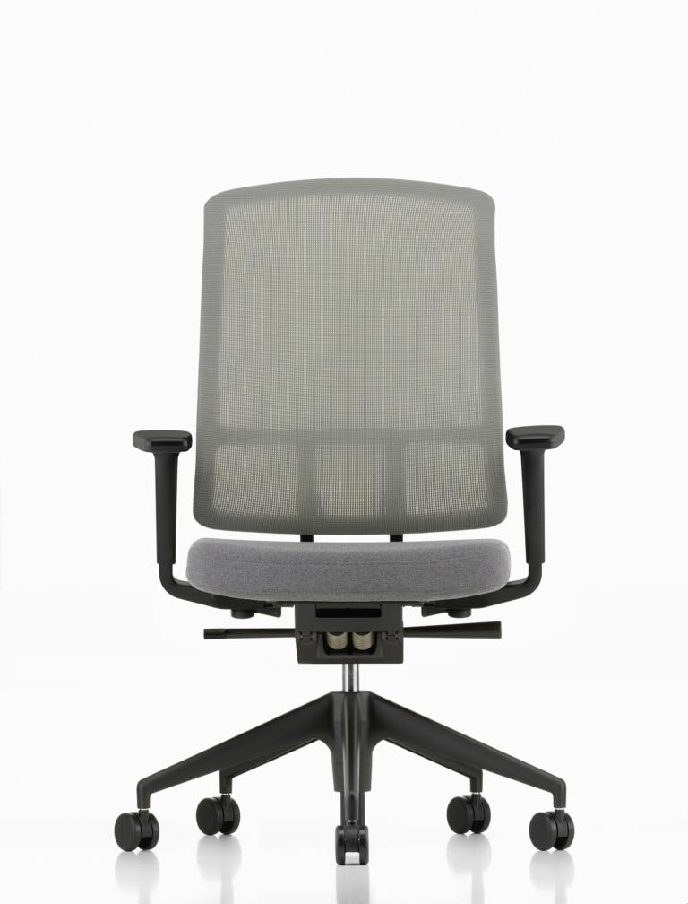 AM Chair_1535909_master — kopia
