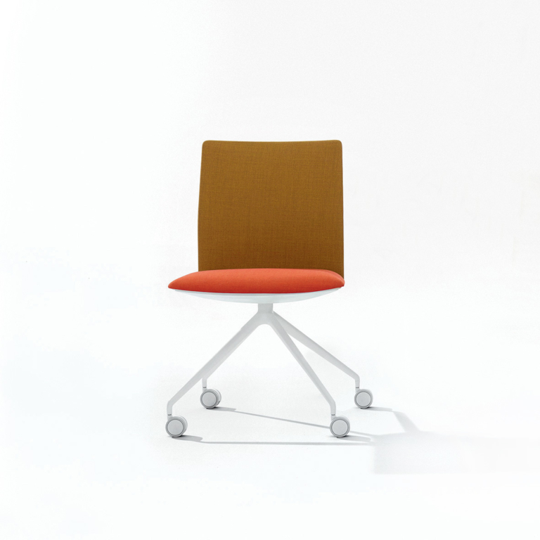 Arper_Kinesit_chair_MarcoCovi_trestle-fixed_front-face-upholstery_4807_1