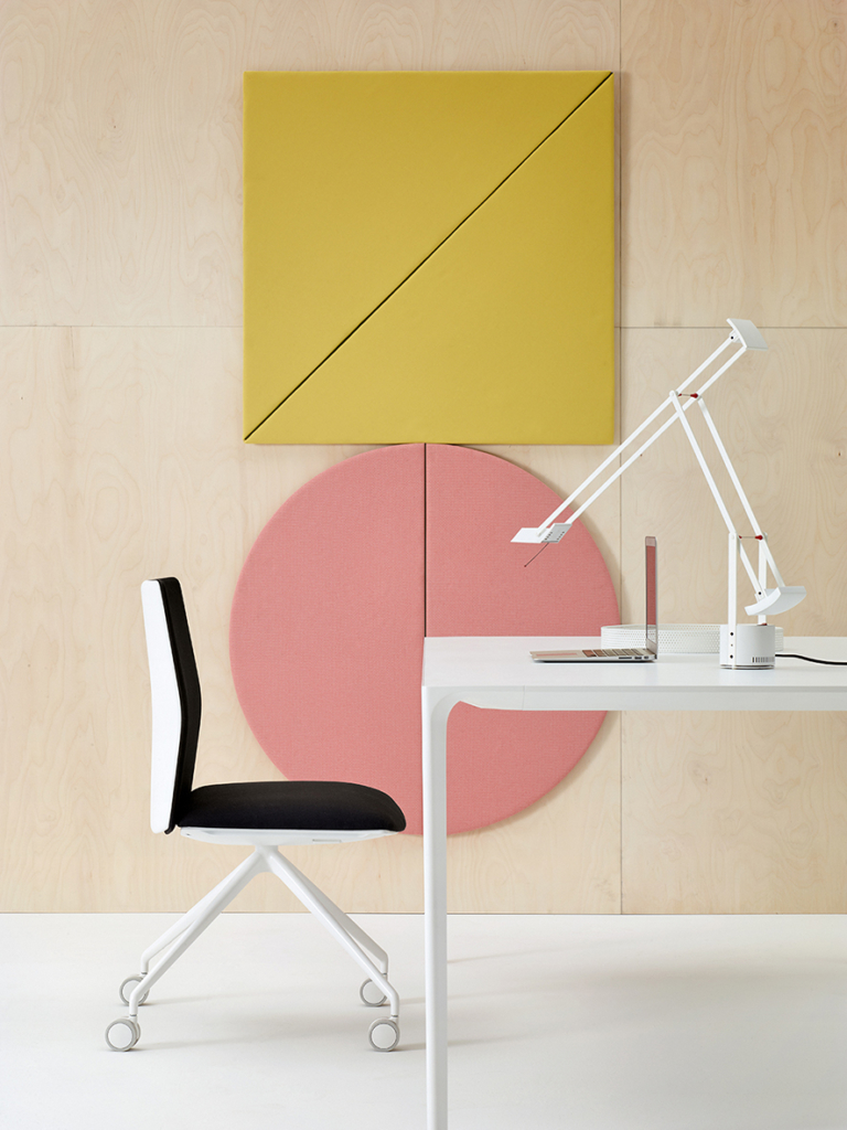 Arper_Kinesit_chair_MarcoCovi_trestle-fixed_front-face-upholstery_4807_3