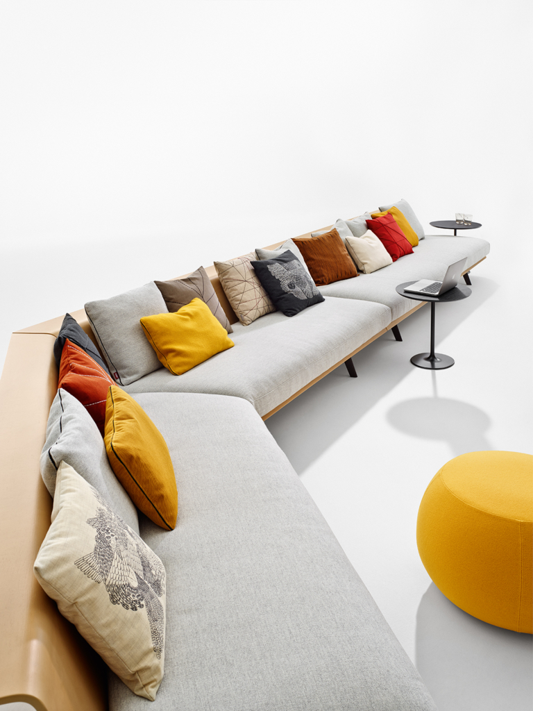 Arper_Zinta_Lounge_sofa_modular_MarcoCovi_4424+4425+4420_2