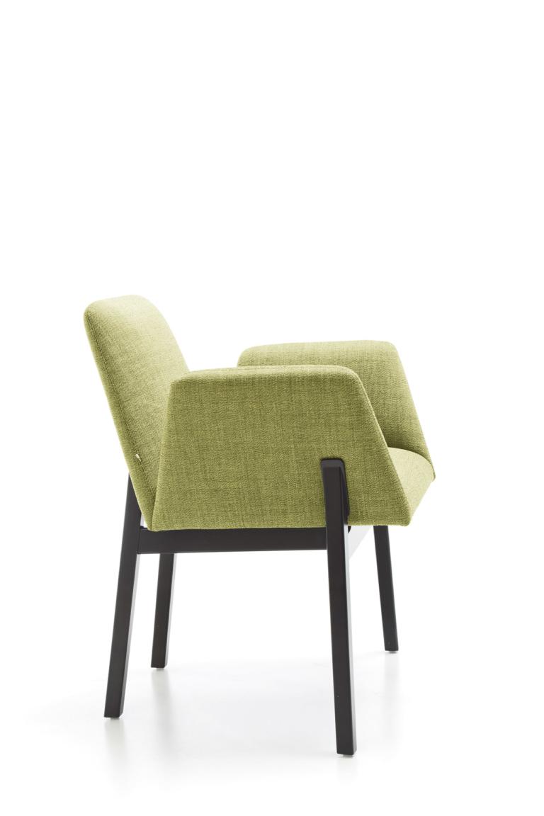 Manta_chair_wooden_legs_packshot_0