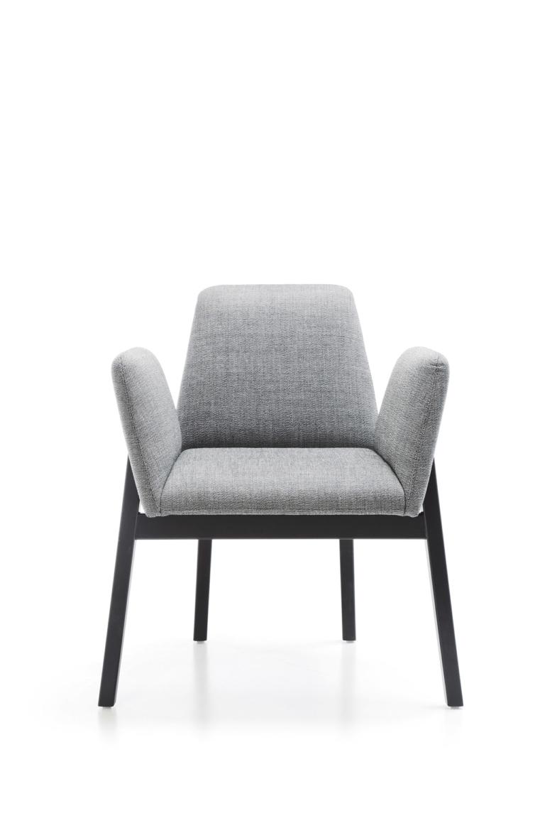Manta_chair_wooden_legs_packshot_1