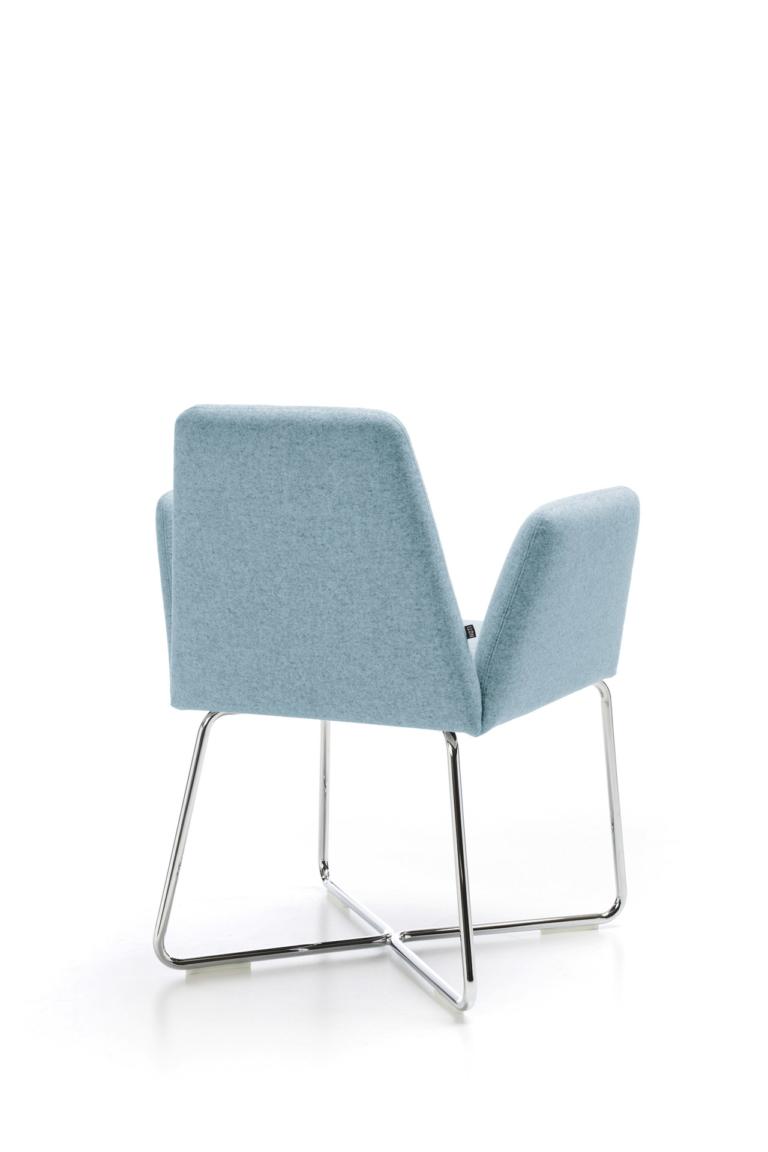 Manta_chair_wooden_legs_packshot_2
