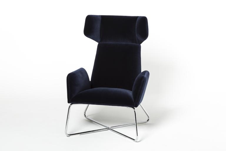 Manta_lounge_armchair_skids_packshot_0