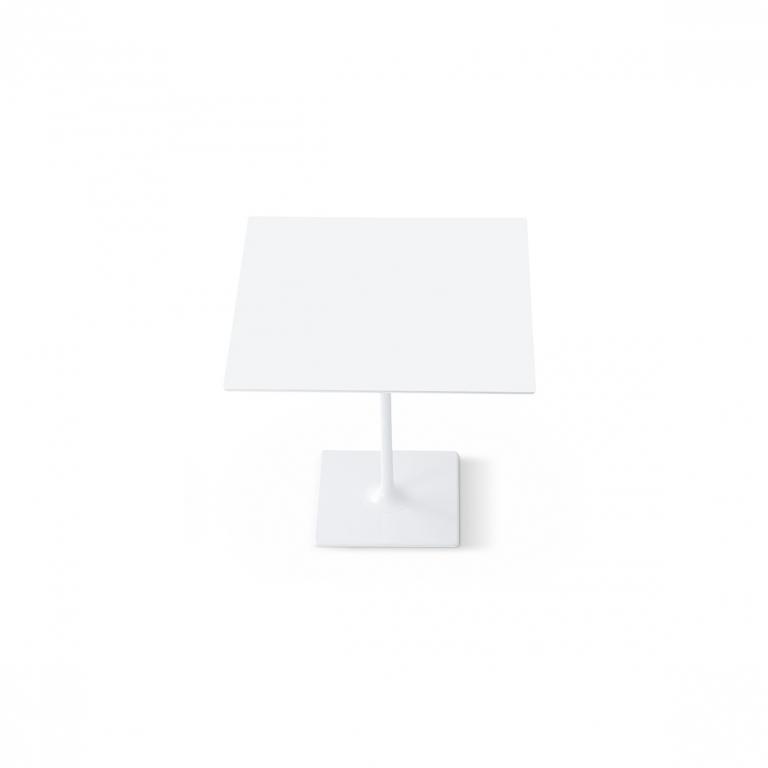 Arper_Dizzie_table_H74cm_squared-top_MDF_80x80cm_0661